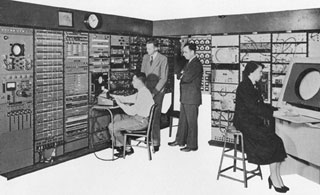 1944_Whirlwind-computer-at-.jpg