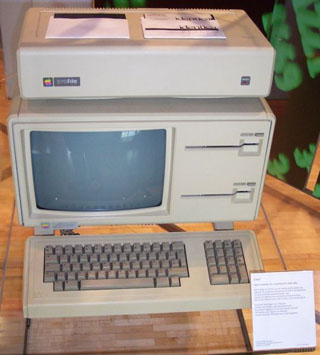 1983_Apple_Lisa.jpg